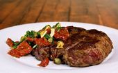 Photo of For those who want to give the right red meat juicy 3 Sizzle…