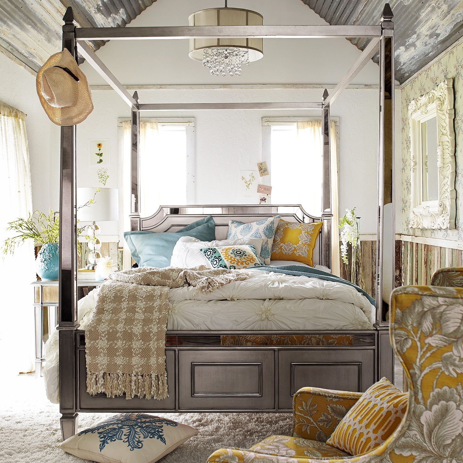 Queen Canopy Bed: Hayworth Queen Silver Canopy Bed