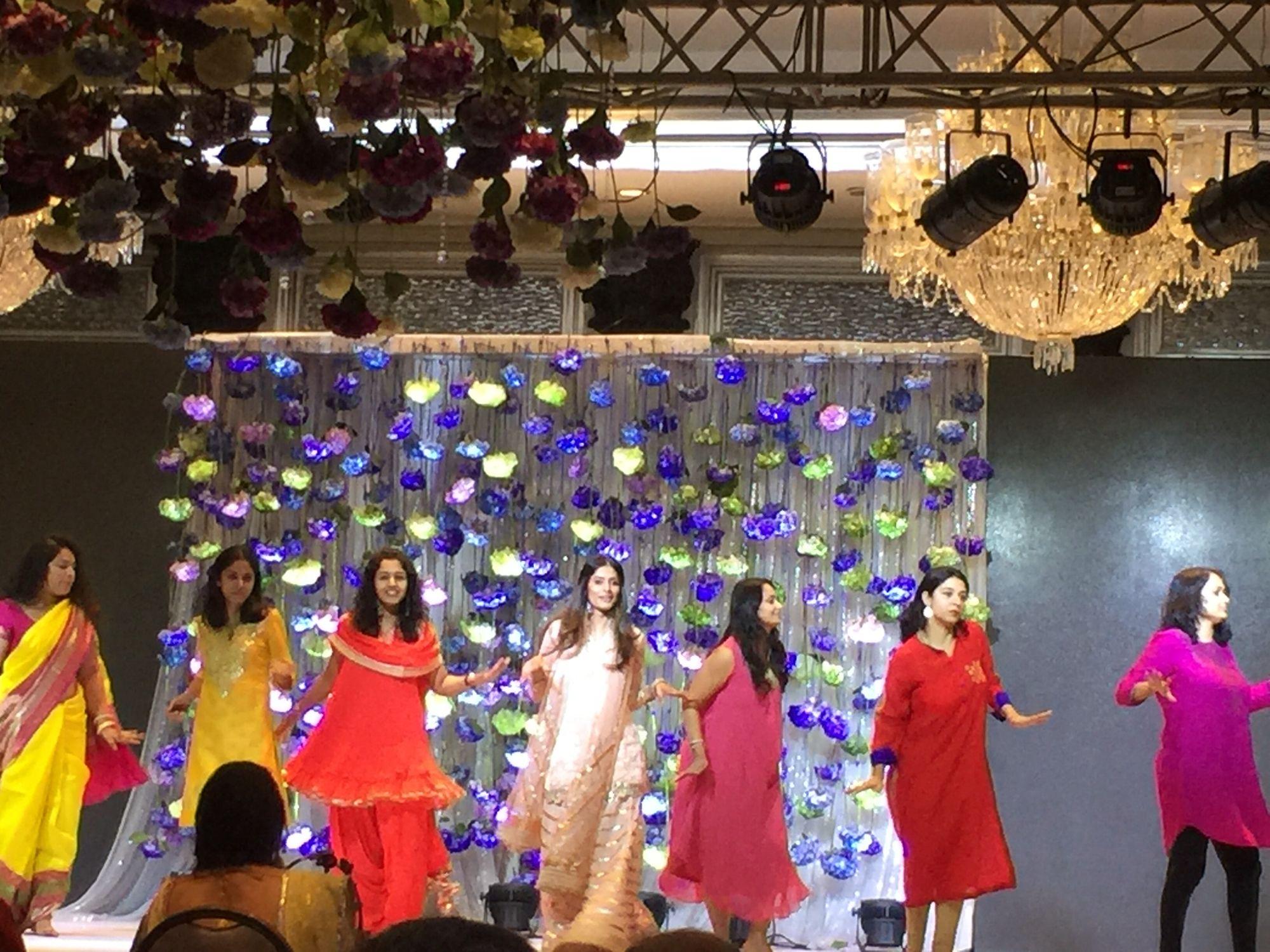 #weddingdance #celebration  #eveningout #friendslikefamily #nishajamvwal