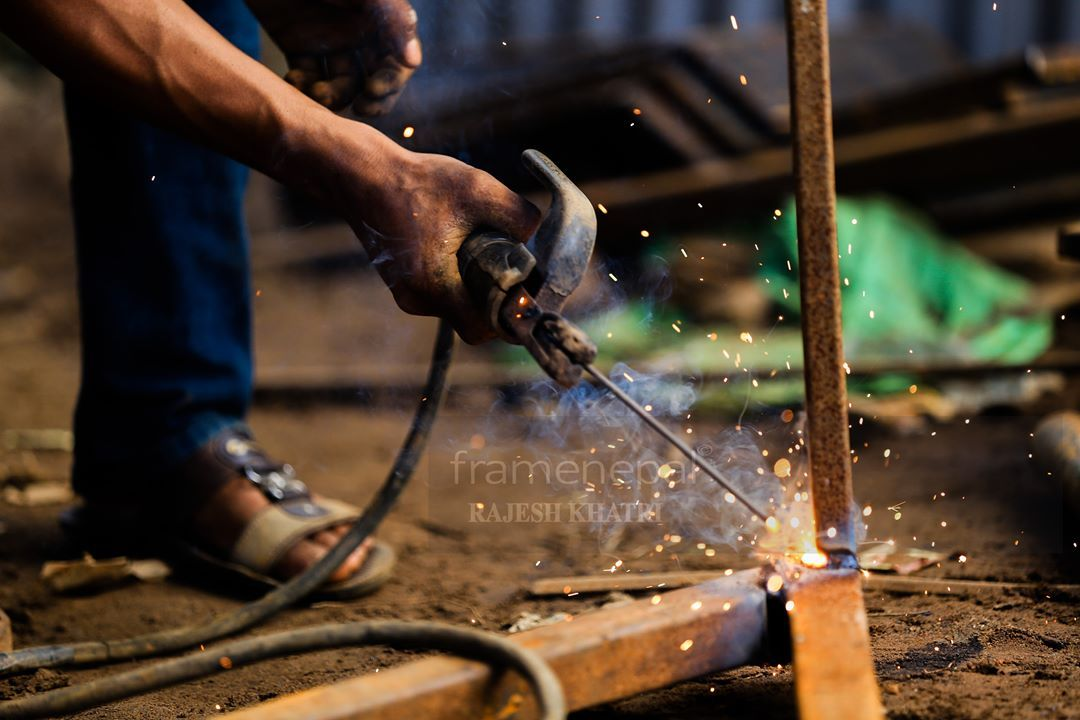 Working Time Work Nepal Dang Framenepal Rajeshkhatri Men