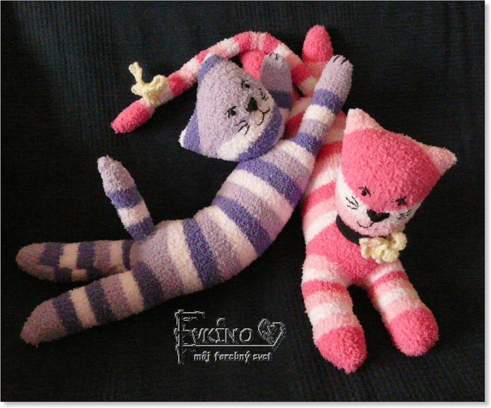 Evkino - môj farebný svet: Ponožkové mačičky