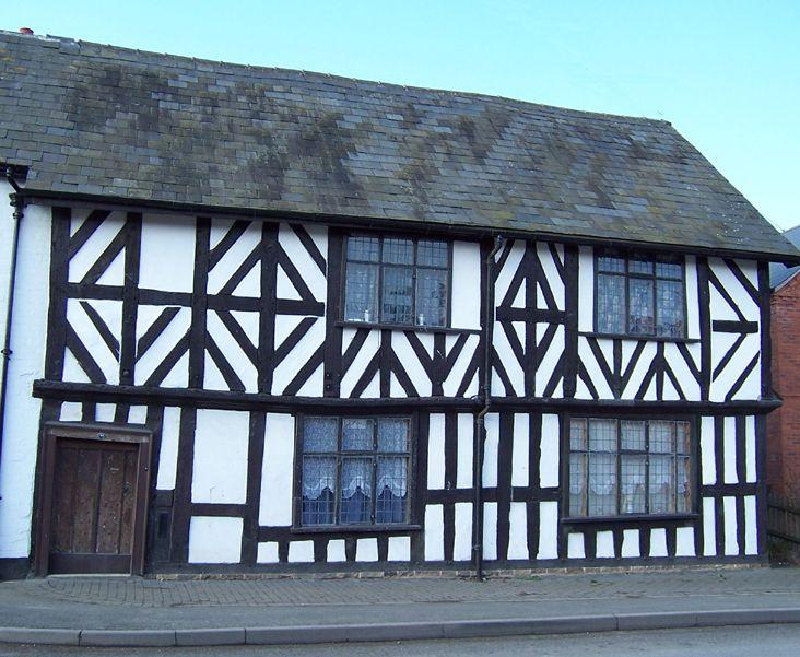 black and white house in leominster herefordshire send. Black Bedroom Furniture Sets. Home Design Ideas
