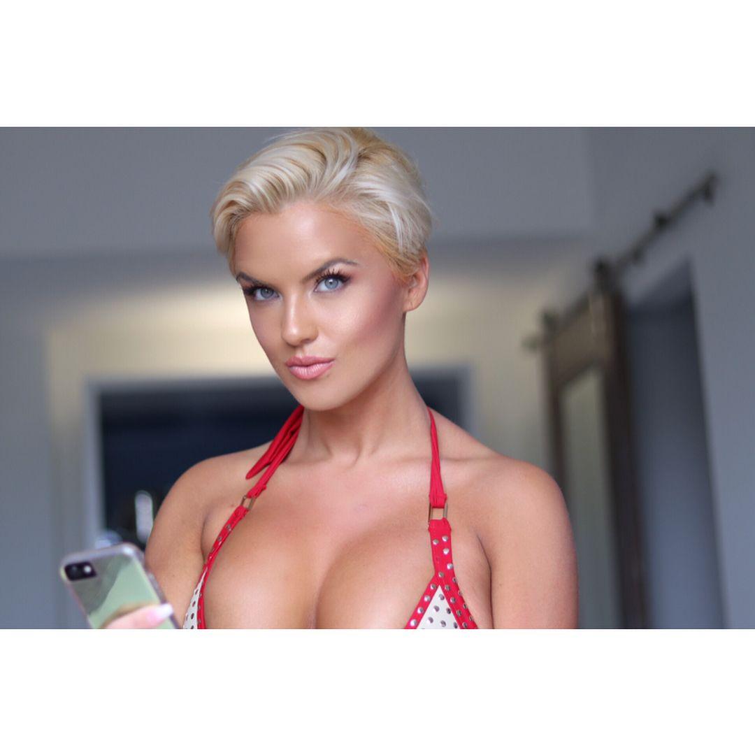 Amy Elizabeth Jackson Nude Photos 6