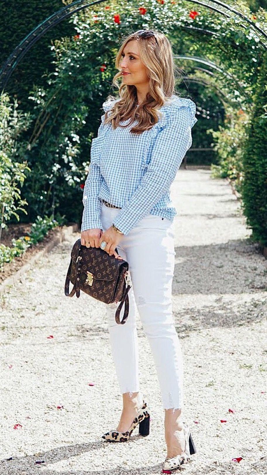 Eine weiße Jeans und mehere Looks | Weiße jeans, Casual