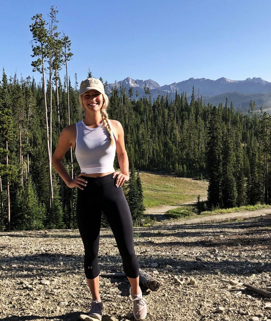 hiking outfit #hiking #outfit cute hiking outfit, hiking outfit winter, converse run star hike outfit, hiking outfit summer, run star hike outfit, hiking outfit spring