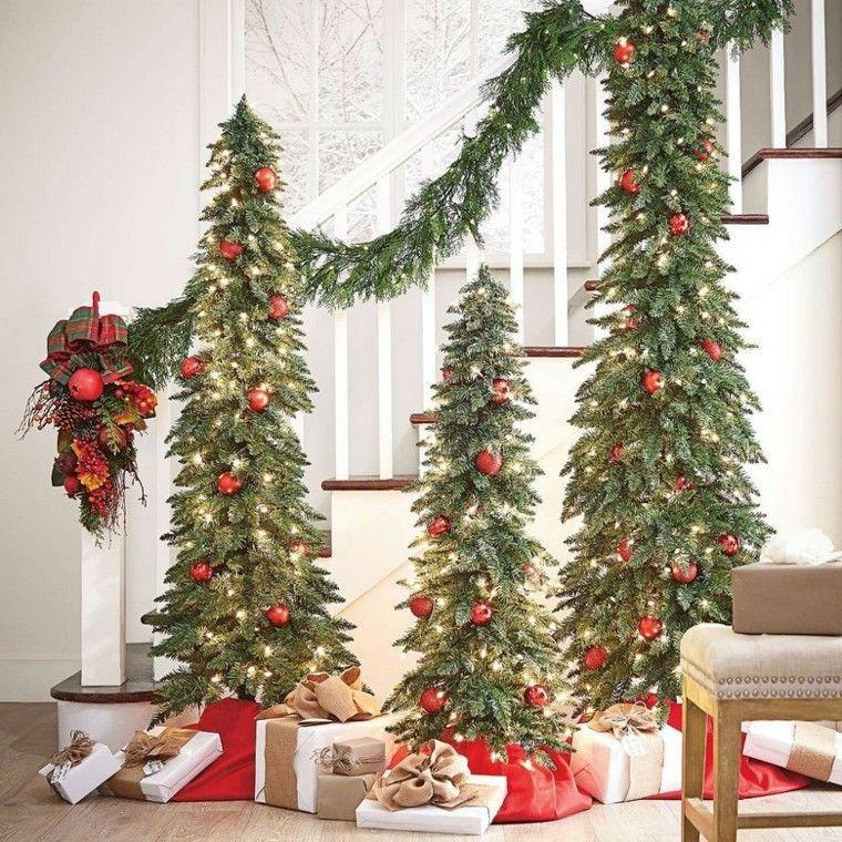 Decoracion De Navidad 50 Ideas Al Estilo Americano Decoracion Navidena Decoracion Navidena De Escaleras Arbol De Navidad Plateado
