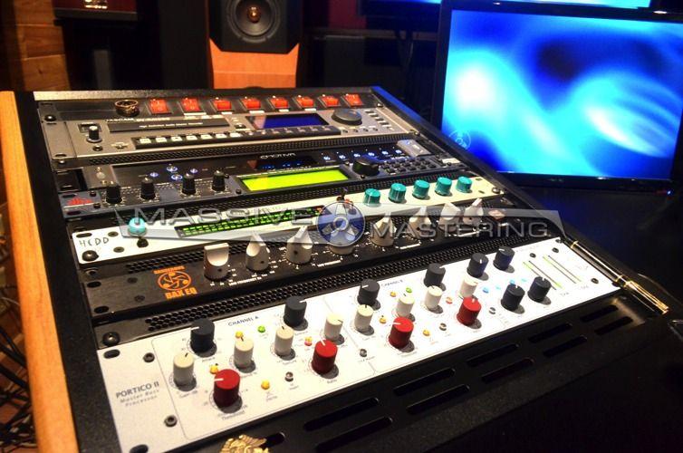 MASSIVE Mastering - STUDIO PHOTOS | hardware/software studio