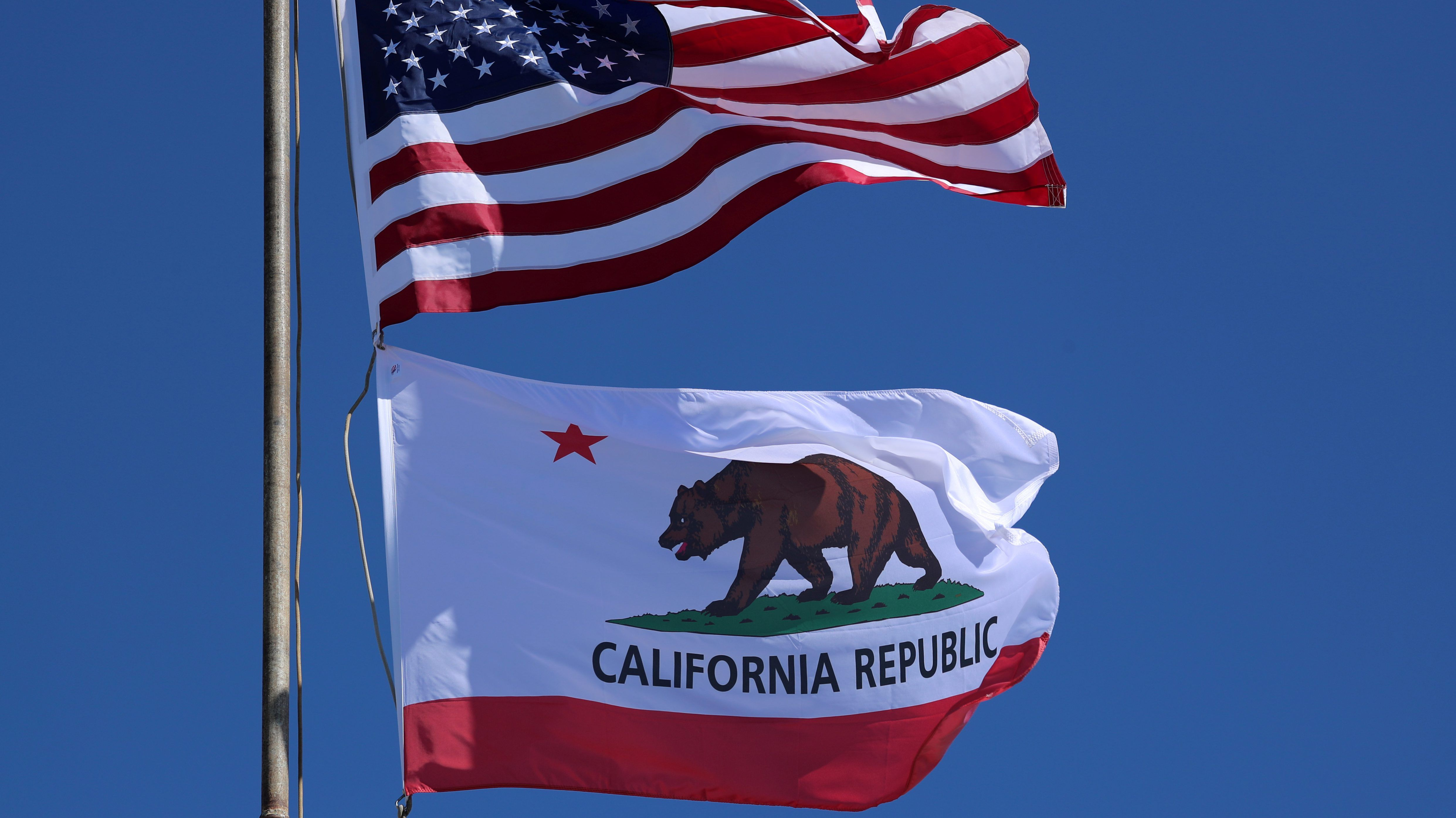 On Jan 1 California Is Basically Becoming A Different State California California Flag How To Become