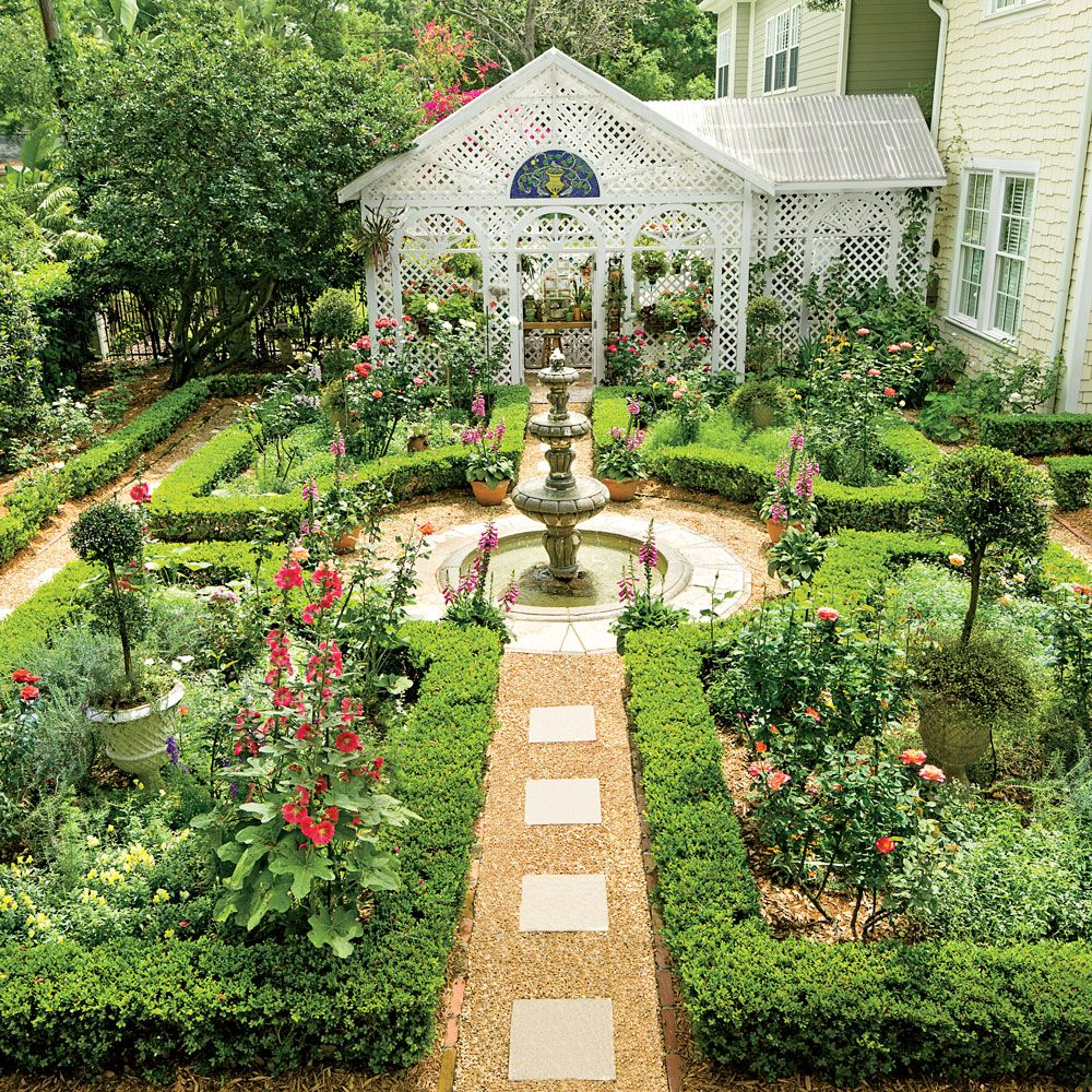 Classic Courtyards Southern Living Lawn And Gardens