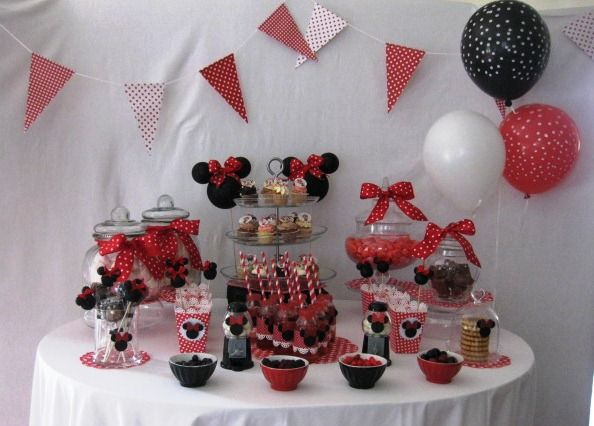 minnie sweet table 2 ans ema pinterest mickey party and birthdays. Black Bedroom Furniture Sets. Home Design Ideas