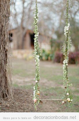 Columpio de madera decorado con flores para boda en el - Columpio de madera ...