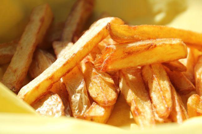 Pommes ohne Friteuse: Knusprig handgemacht in 10 Minuten - Schlaraffenwelt - Expedition Genuss
