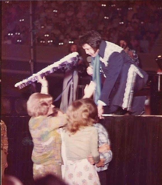 Pin By Juanita Collins On Elvis Elvis In Concert Elvis Jumpsuits Elvis Presley