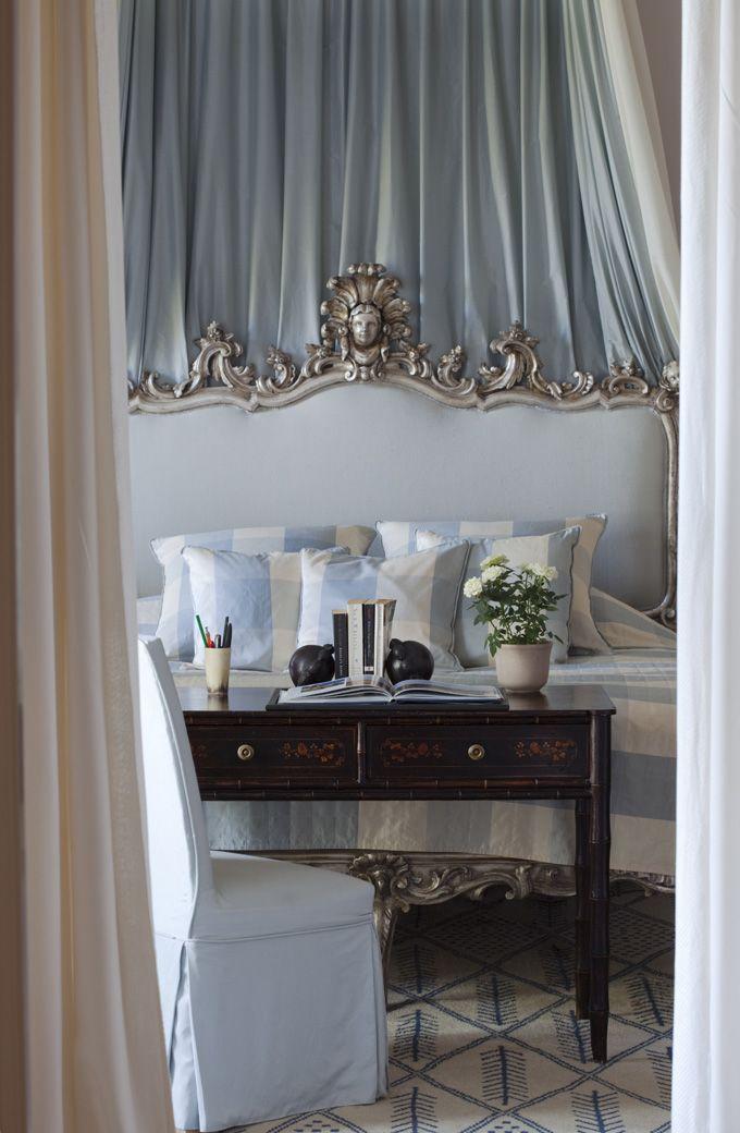 Una casa esencialmente clasica an essentially classical for Casa clasica moderna interiores