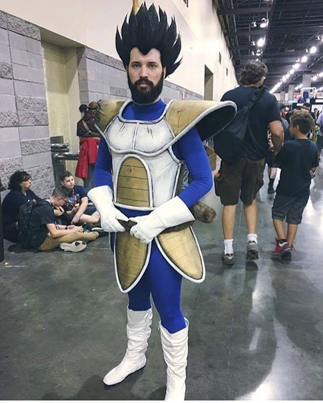 cleverfoxes in his amazing Bearded Saiyan cosplay armor made by ...