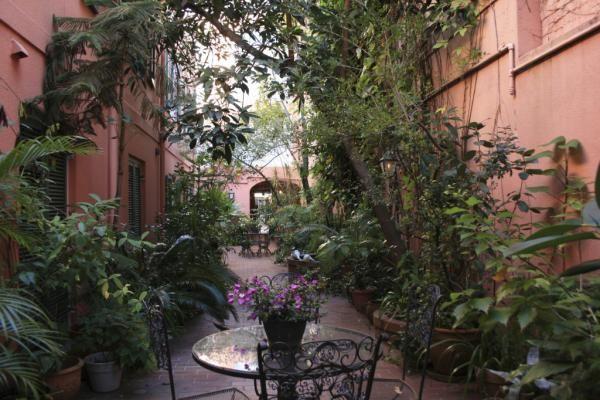 Courtyard garden new orleans art architecture design for Small french courtyard gardens