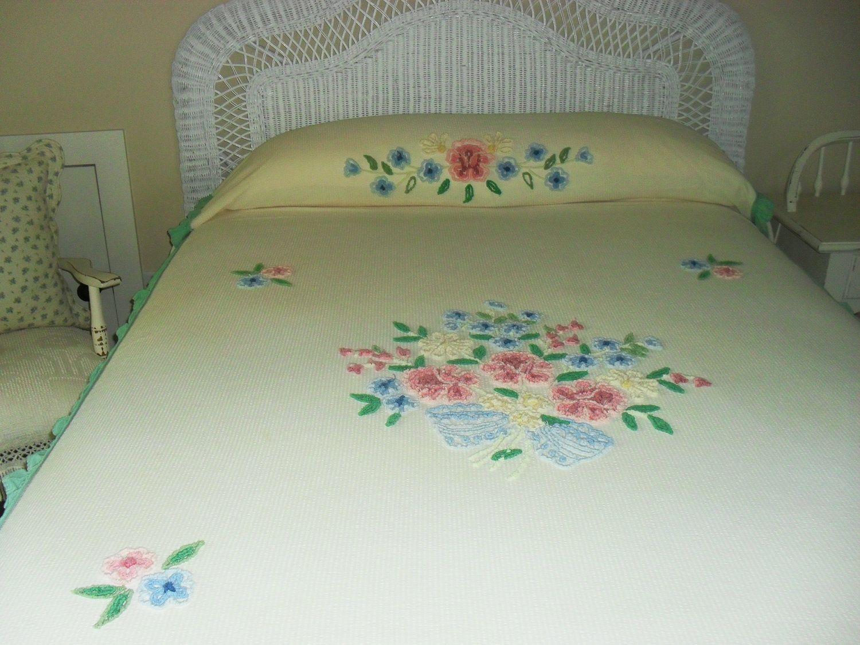 Vintage Tufted Chenille Bedspread Sale Priced Antiques Pinterest