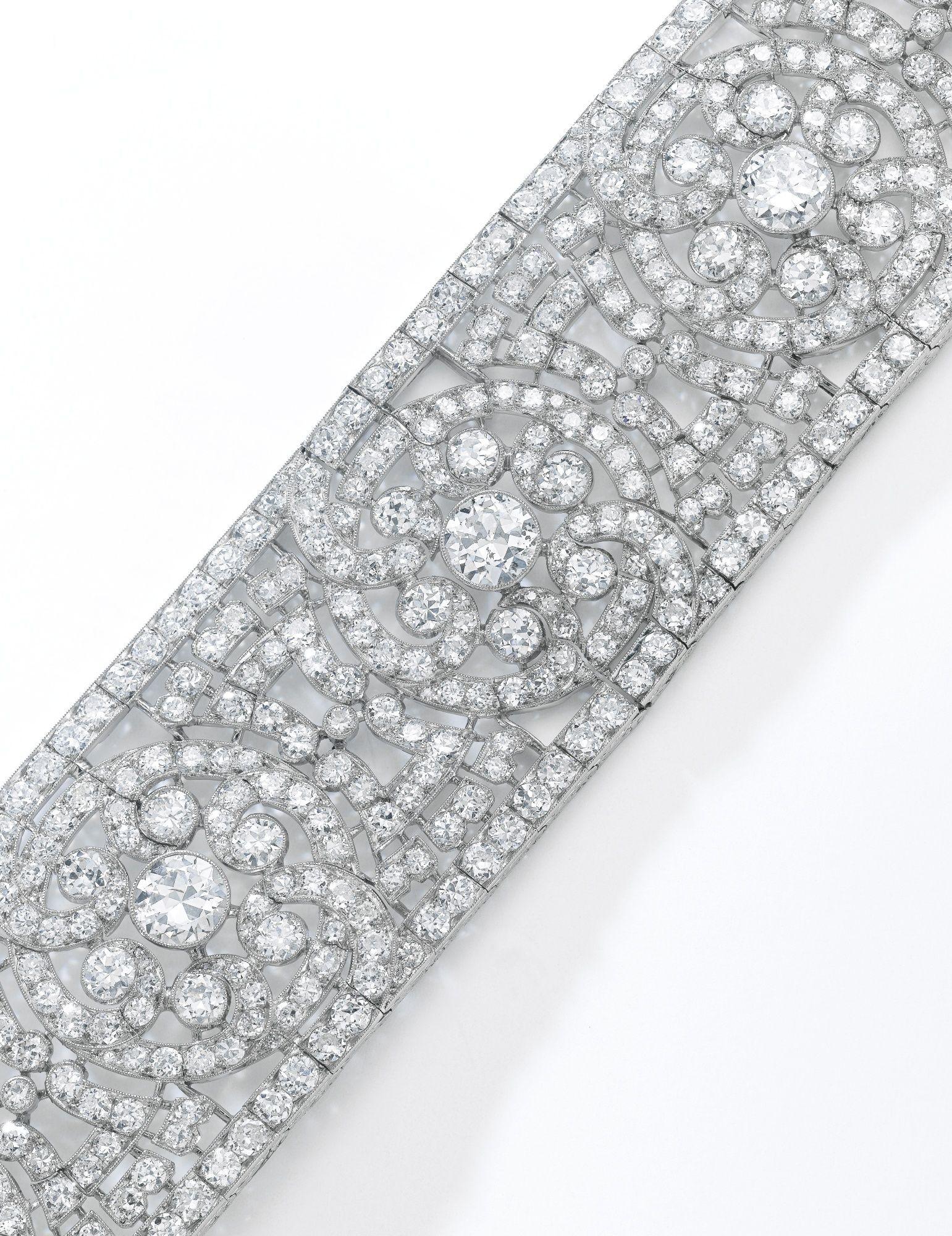 Fine diamond bracelet van cleef u arpels s of scroll and open
