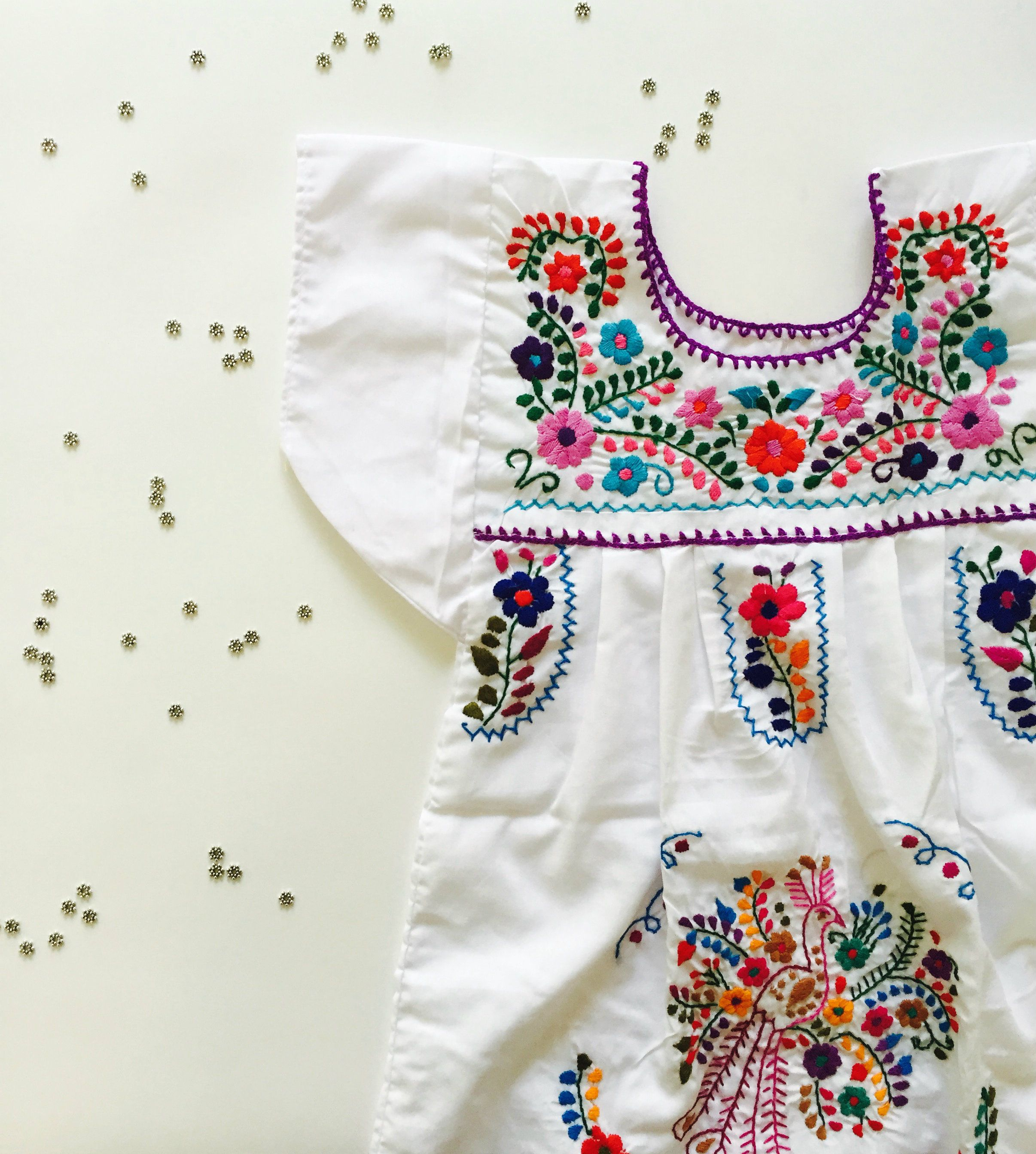 Nena Sofia in puff cloud white - tunic dressA beautifully embroidered  Mexican dress is the perfect