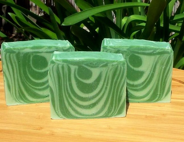 Oh so bright & freshly cut cucumber with a hint of zesty cilantro.   A summer favorite!  Each soap slice is a generous cut 4.5-5.5oz  Olive oil, coconut oil, water, palm oil, safflower oil, shea butter, fragrance, chromium green oxide, titanium dioxide.