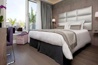 t te de lit h tel chambre pinterest h tels. Black Bedroom Furniture Sets. Home Design Ideas