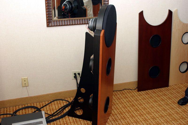 emerald_physics_speaker_side.jpg (800×533)