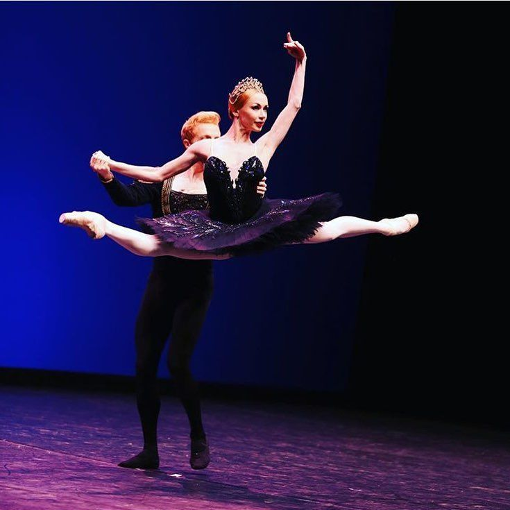 Iana Salenko and Steven McRae in Black Swan PDD
