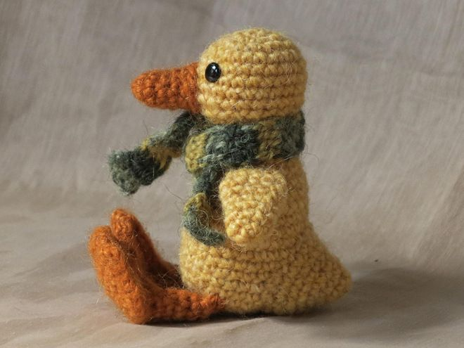 yellow crochet duck pattern, duckling.