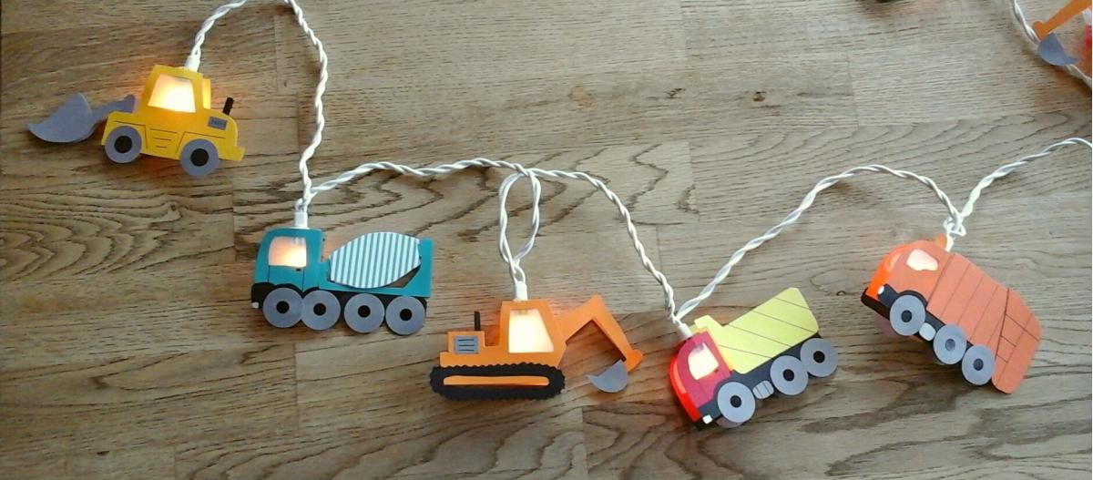 Lichterkette Baustellenfahrzeuge Lichterkette