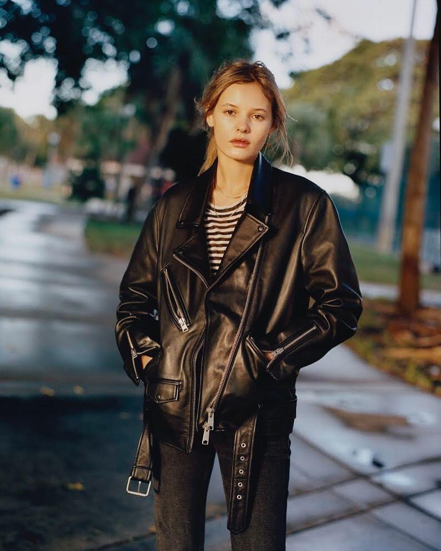 Golden Hour With The Oversized Biker Jacket Outfit Women Leather Jacket Outfits Leather Jackets Women [ 1240 x 992 Pixel ]