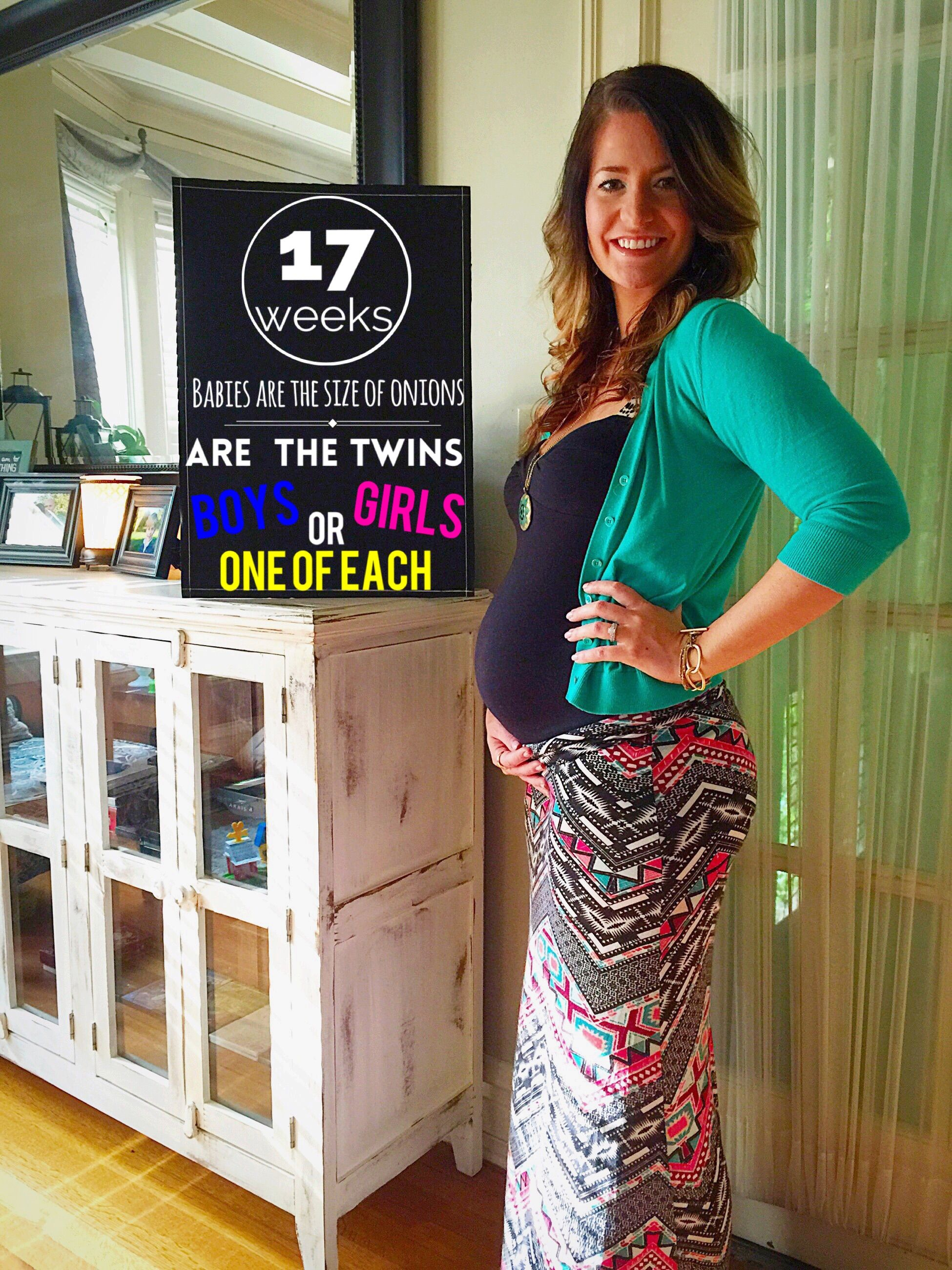 Weekly baby bump photos. 17 Weeks Pregnant with Twins ...