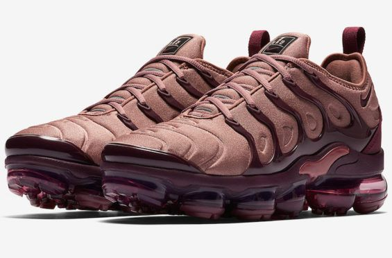 Nike Air VaporMax Plus release new womens color way for Summer