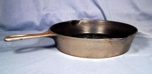 Wagner Ware Sidney 0 8h Skillet With Heat Ring Cooking