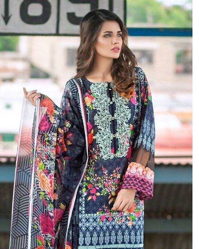 Also available in this beautiful blue..! #mausummerypakistan #mausummery #mausummerycollection #mausummery2016 #availablenow #freedelivery #onlineshopping #eidsale2016 #eidcollection2016 @pakfashioncarnival