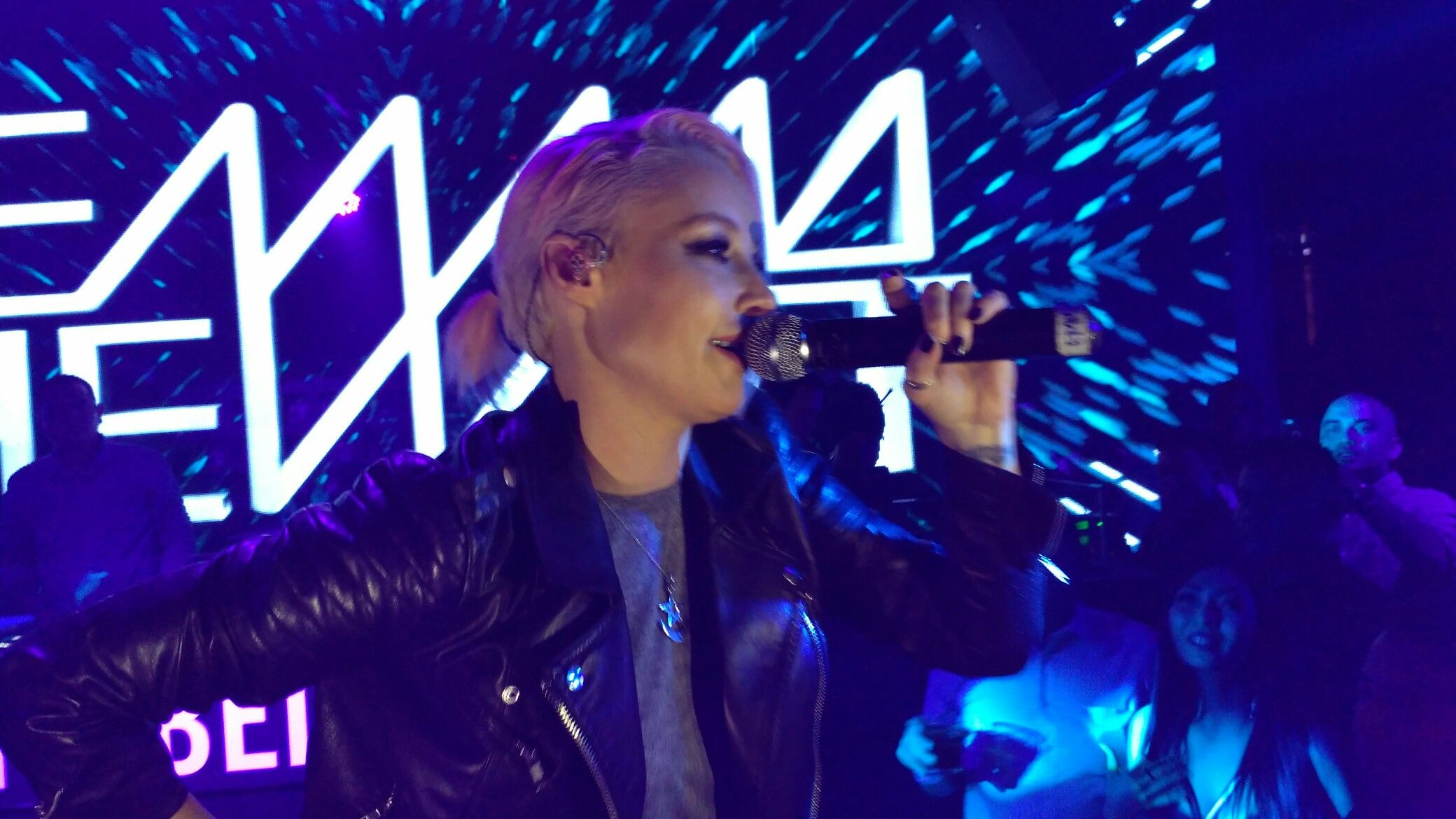 Emma Hewitt on Immigrant Jakarta, sound raiders powered by @INFINITE live (Lighting, Integrated Visual-audio Equipment) www.ngi-infinite.com #RentalSoundLightMultimedia #RentalSound #SoundSystem #Multimedia #Lighting #RentalSoundLights #RentalMultimedia #RentalLighting #Rental #Sound #visual #SewaOnline #RentalOnline #SewaSoundOnline #PortalRentalOnline