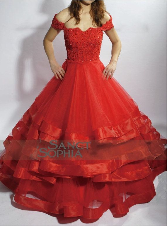 Anyone have an old BIG RED prom dress they wanna give to/sell to me ...