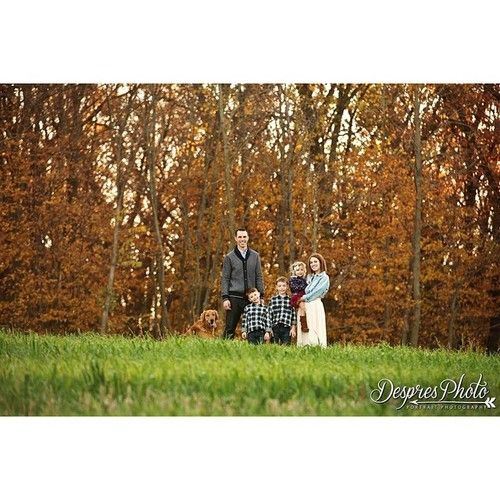 Loving the Hebricks photo session ❤️ #familysession #minnesotaphotographer #minnesota #photography  (at Despres Home / Photography Office)