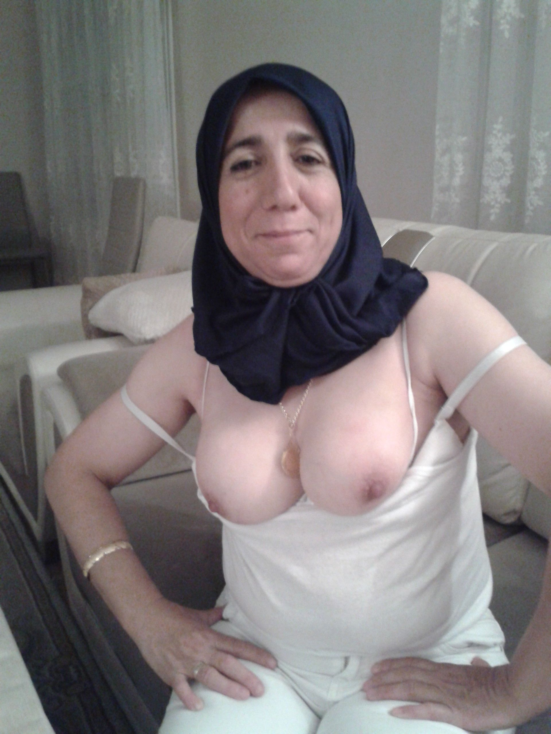 sex-tgp-naked-muslim-housewives