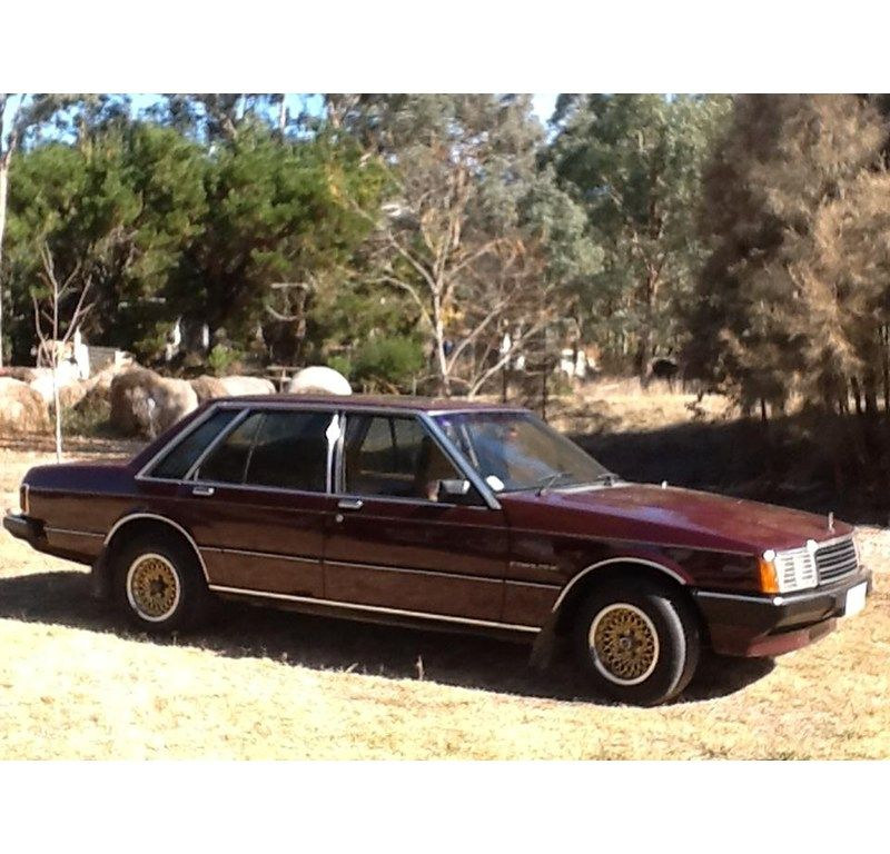 1981 FORD FAIRLANE ZJ had a two tone blue 6cylinder Sportsman with ...
