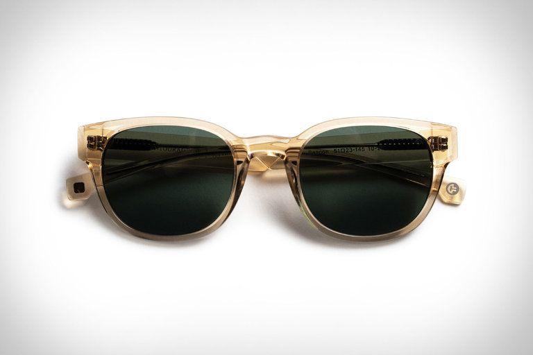 Pin By Uncrate On Style Matt Damon James Bond Sunglasses Sunglasses