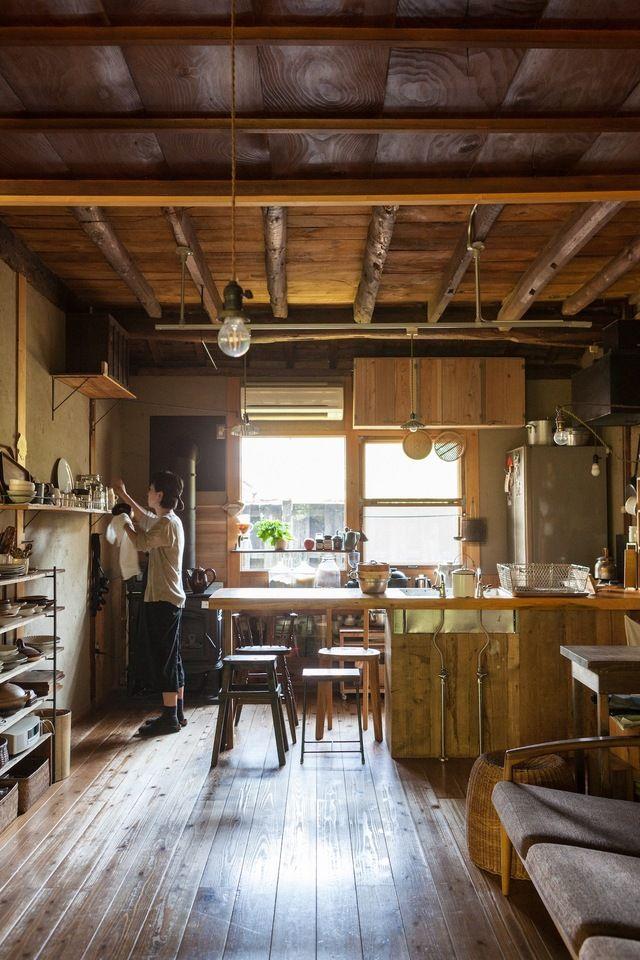 古くても こんなに素敵 使いやすい 働く台所 を拝見