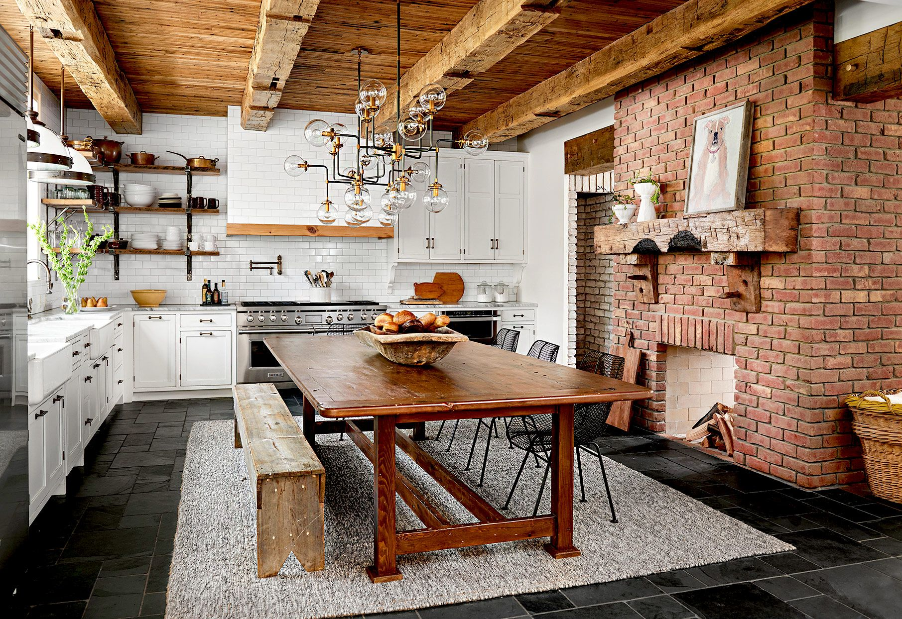 23 Farmhouse Kitchen Ideas for a Perfectly Cozy Cooking Space