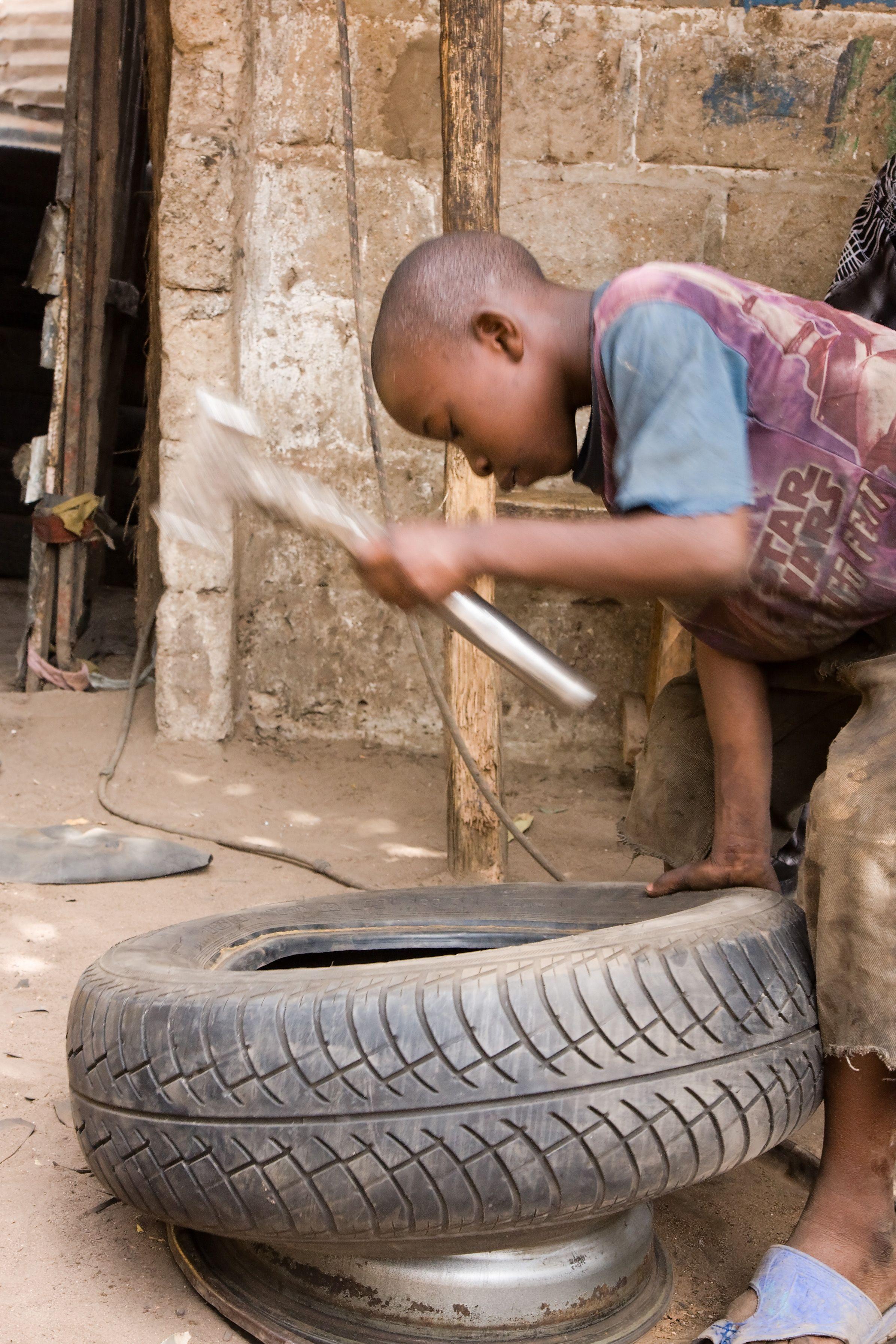 child labour essay hindi clasifiedad an essay on child labour pin lorna nangle on child labour