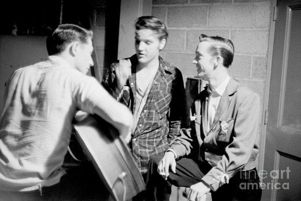 Elvis Presley With Gene Smith And Scotty Moore 1956 Art Print by The ...