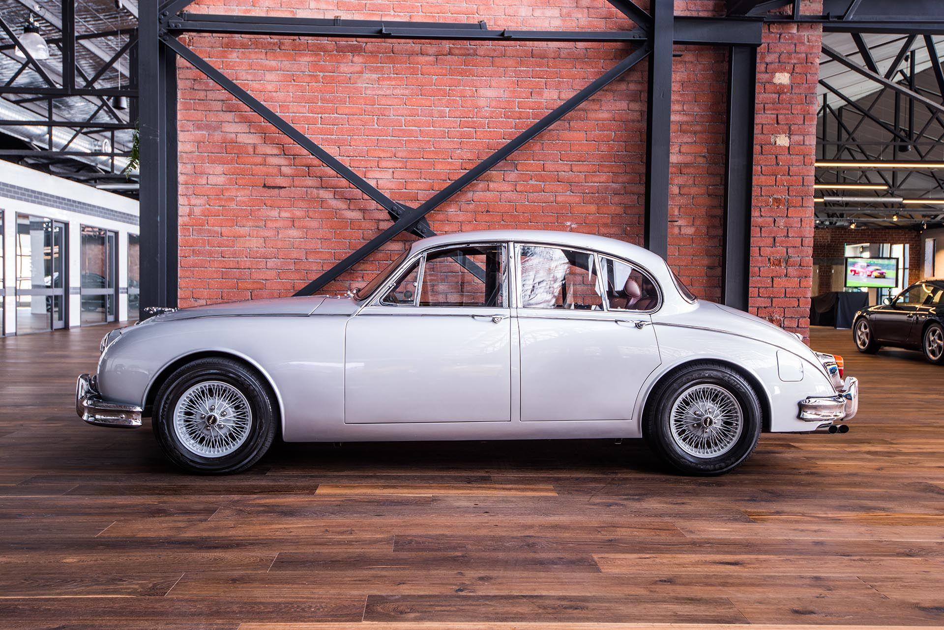 1959 Jaguar Mk ll 3.8 manual - Richmonds - Classic and Prestige Cars ...