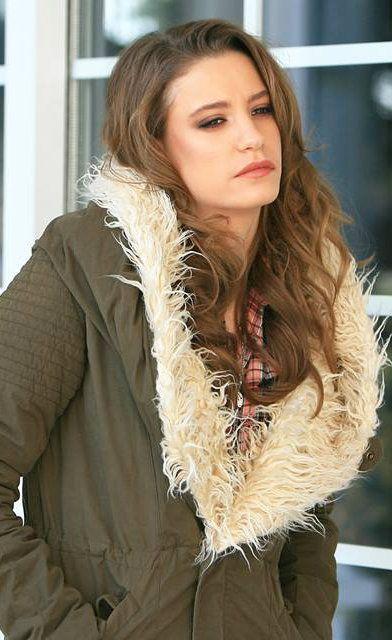 Sabrin Adli Kullanicinin Turkish Tv Series Fashion Panosundaki Pin