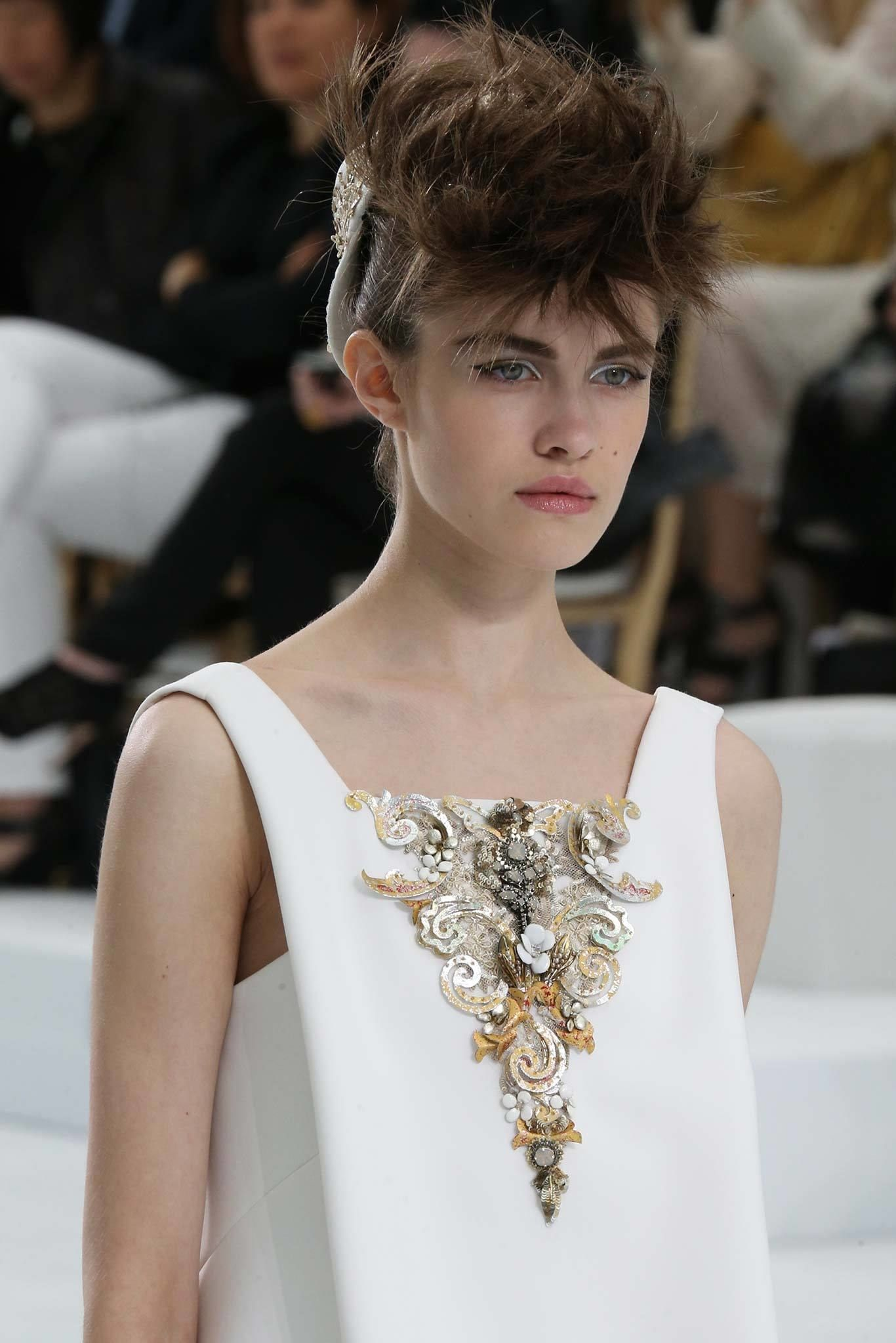 Chanel Fall 2014 Couture Fashion Show Details