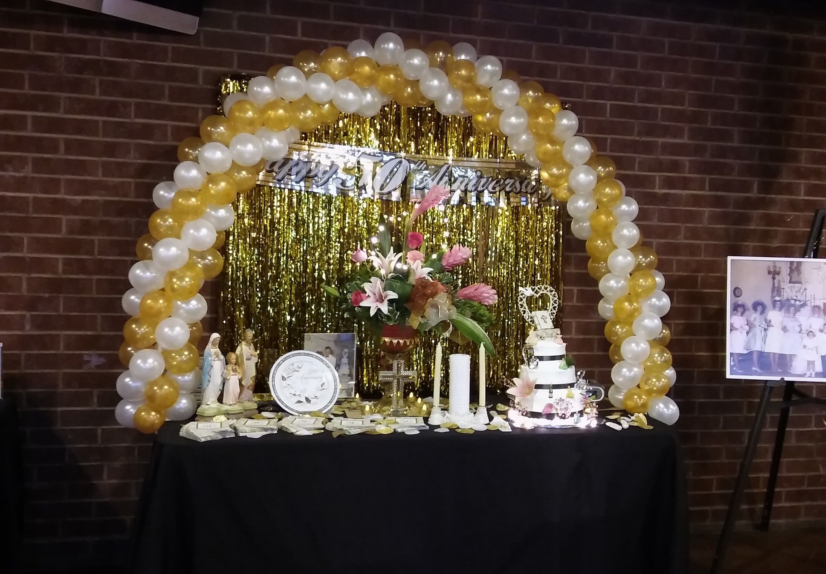 Balloon Table Arch for 50th Wedding Anniversary