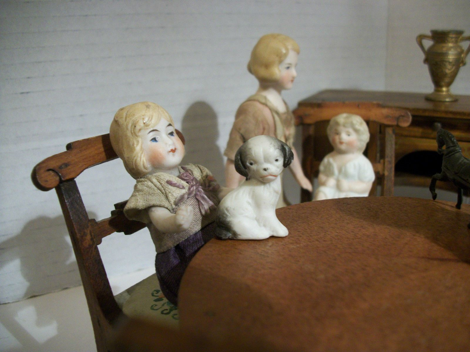 Antique Tynietoy Dining Parlor W/ Antique German Bisque Dollhouse Doll  Family!!! |