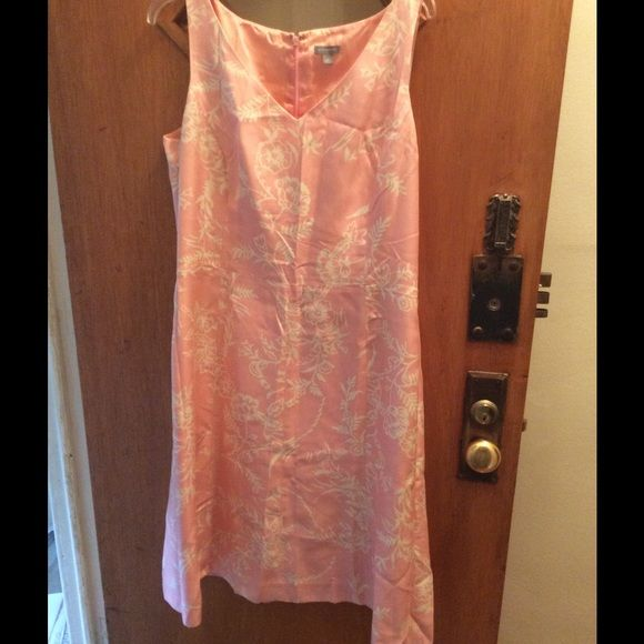 Ladies dress Great dress for any occasion Ann Taylor Dresses Midi